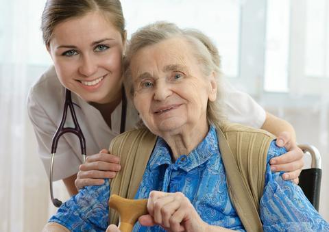 מטפלת פרטית לקשישים
