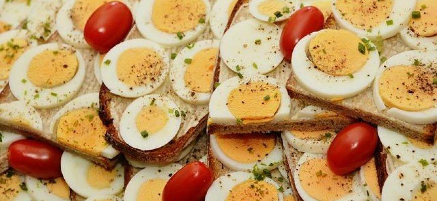 הזמנת סנדוויצ'ים טריים לארוחת בוקר