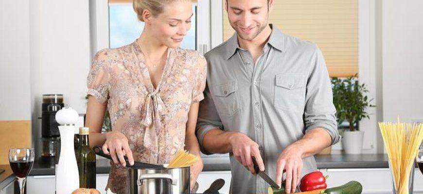 דלפק מטבח צמוד לקיר או אי – מה מתאים לי?